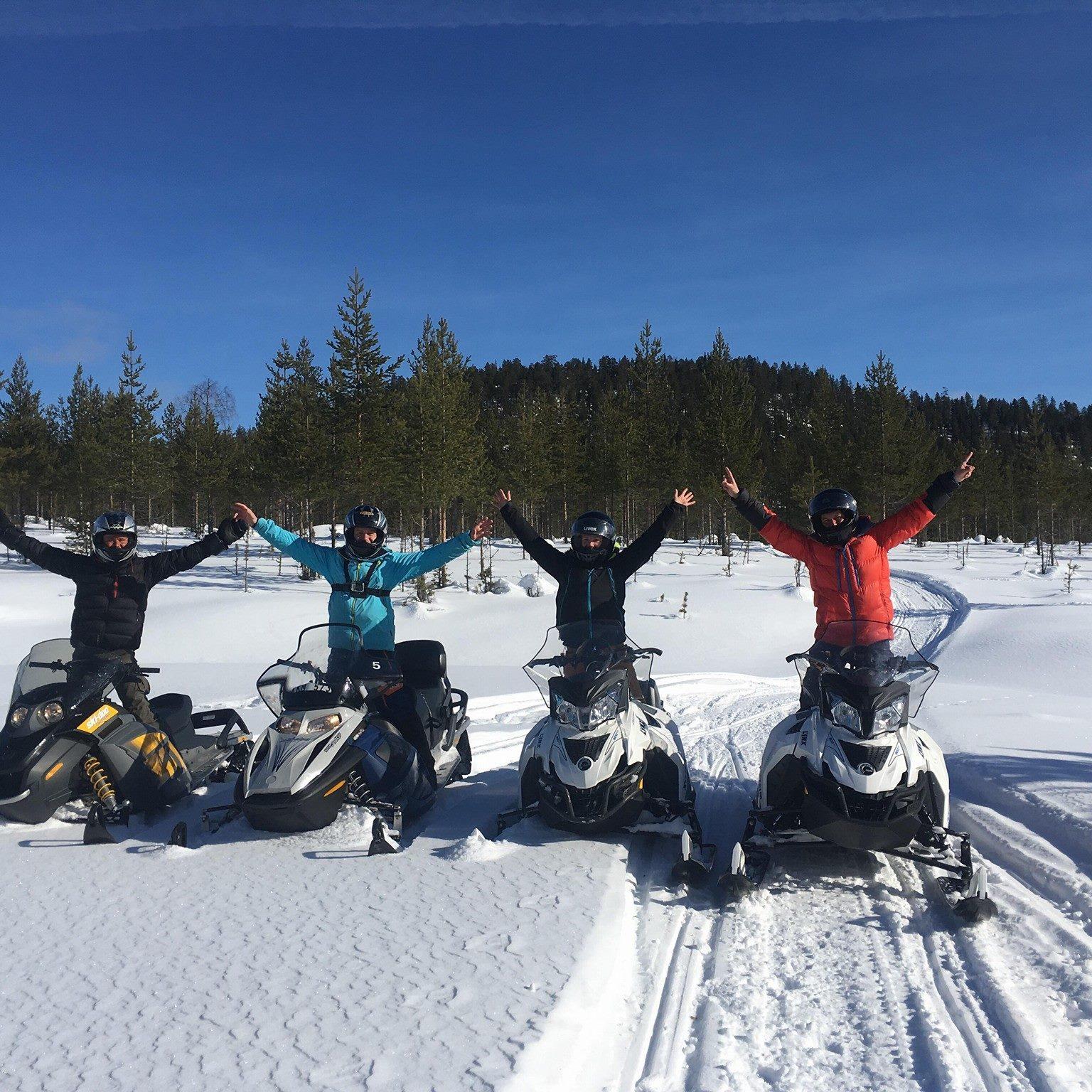 moto neige suède